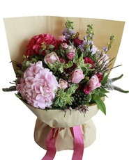 2 Hydrangea with Pink Roses