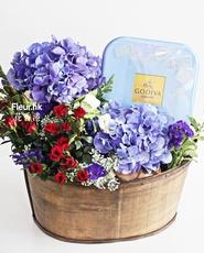 Flower with Godiva Biscuit Hamper